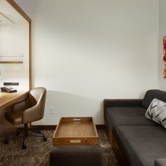 Отель SpringHill Suites by Marriott Columbus OSU комната для гостей
