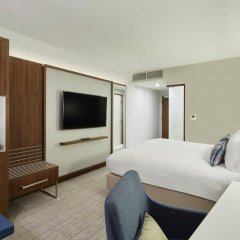 Отель Courtyard by Marriott Luton Airport комната для гостей фото 3