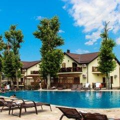 Гостиница Платан Rezort (Витязево) в Витязево отзывы, цены и фото номеров - забронировать гостиницу Платан Rezort (Витязево) онлайн бассейн