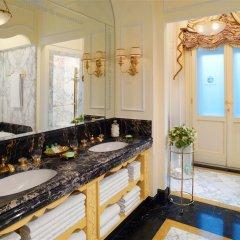 Отель Bristol, a Luxury Collection Hotel, Vienna Австрия, Вена - 3 отзыва об отеле, цены и фото номеров - забронировать отель Bristol, a Luxury Collection Hotel, Vienna онлайн ванная фото 2
