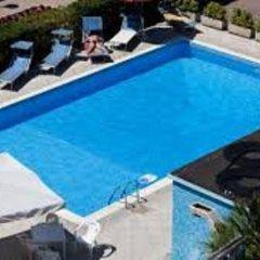 Hotel River Римини бассейн