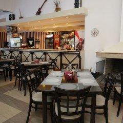 Отель Laplandia Пампорово гостиничный бар