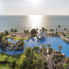 Отель White Sand Beach Residences Pattaya бассейн фото 2
