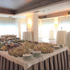 Отель Golden Tulip Varna Болгария, Варна - отзывы, цены и фото номеров - забронировать отель Golden Tulip Varna онлайн питание фото 3