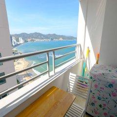 Апартаменты Sunrise Hon Chong Ocean View Apartment Нячанг балкон