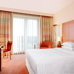 Sheraton Duesseldorf Airport Hotel комната для гостей
