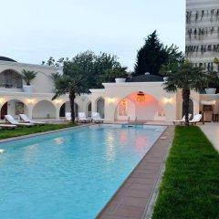 Holiday Inn Istanbul City Турция, Стамбул - отзывы, цены и фото номеров - забронировать отель Holiday Inn Istanbul City онлайн бассейн фото 3