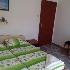Отель Kozarov House Болгария, Свети Влас - отзывы, цены и фото номеров - забронировать отель Kozarov House онлайн комната для гостей фото 3