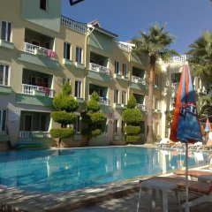 Отель Club Sunset Apart бассейн