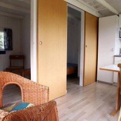 Отель Ajstrup Beach Camping & Cottages Дания, Орхус - отзывы, цены и фото номеров - забронировать отель Ajstrup Beach Camping & Cottages онлайн комната для гостей