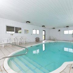 Отель Americas Best Value Inn Effingham бассейн