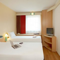Отель Ibis Poznan Stare Miasto Познань комната для гостей фото 4