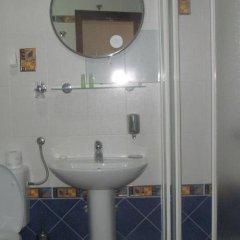 Отель Secret Garden Apartments Черногория, Свети-Стефан - отзывы, цены и фото номеров - забронировать отель Secret Garden Apartments онлайн ванная фото 2