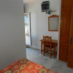 Отель Hostal El Alferez Испания, Вехер-де-ла-Фронтера - отзывы, цены и фото номеров - забронировать отель Hostal El Alferez онлайн удобства в номере