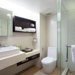 Отель Safari Beach Hotel Таиланд, Пхукет - 1 отзыв об отеле, цены и фото номеров - забронировать отель Safari Beach Hotel онлайн ванная фото 2