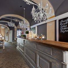 Апартаменты Cathedral Prague Apartments гостиничный бар