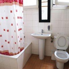 Отель Balmes Centro Hostal Барселона ванная