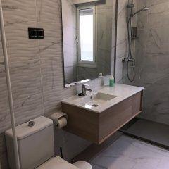 Отель Apartamentos Las Brisas Испания, Сантандер - отзывы, цены и фото номеров - забронировать отель Apartamentos Las Brisas онлайн ванная