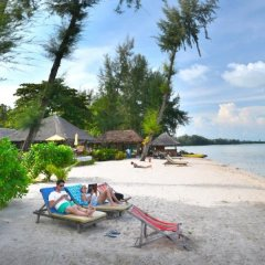 Отель Thiwson Beach Resort пляж фото 2