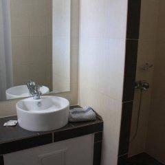 Отель Blue Fountain Греция, Эгина - отзывы, цены и фото номеров - забронировать отель Blue Fountain онлайн ванная