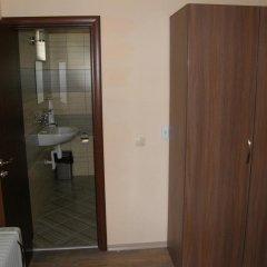 Отель Rodopi Houses Болгария, Чепеларе - отзывы, цены и фото номеров - забронировать отель Rodopi Houses онлайн ванная