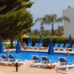 Отель Maistros Hotel Apartments Кипр, Протарас - отзывы, цены и фото номеров - забронировать отель Maistros Hotel Apartments онлайн бассейн