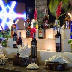 Отель Diamond Bay Resort & Spa гостиничный бар