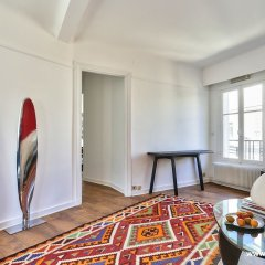 Апартаменты Cozy Apartment next to Eiffel Tower в номере