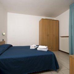 Отель Residence Villa Azzurra Италия, Римини - отзывы, цены и фото номеров - забронировать отель Residence Villa Azzurra онлайн комната для гостей фото 5