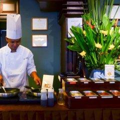 Отель Best Western Hotel La Corona Manila Филиппины, Манила - 2 отзыва об отеле, цены и фото номеров - забронировать отель Best Western Hotel La Corona Manila онлайн интерьер отеля