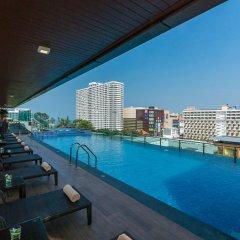 Acqua Hotel бассейн