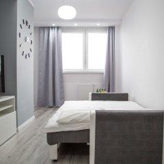 Отель Pure Rental Apartments - City Residence Польша, Вроцлав - отзывы, цены и фото номеров - забронировать отель Pure Rental Apartments - City Residence онлайн комната для гостей фото 2