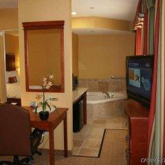 Отель Hampton Inn & Suites Los Angeles Burbank Airport Лос-Анджелес удобства в номере