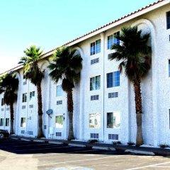 Отель Blue Moon Resort Las Vegas США, Лас-Вегас - отзывы, цены и фото номеров - забронировать отель Blue Moon Resort Las Vegas онлайн парковка