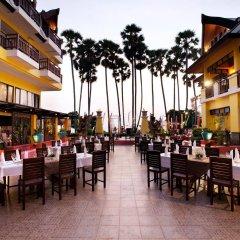 Отель Woraburi Phuket Resort & Spa гостиничный бар