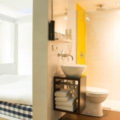 Отель Qbic Hotel Wtc Amsterdam Нидерланды, Амстердам - 6 отзывов об отеле, цены и фото номеров - забронировать отель Qbic Hotel Wtc Amsterdam онлайн ванная фото 2