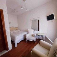 Sirince Klaseas Hotel & Restaurant Торбали комната для гостей