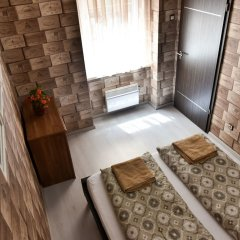 Апартаменты Corvin Point Rooms and Apartments комната для гостей фото 8