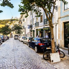 Апартаменты Mouraria Deluxe Apartment парковка