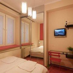 Отель Hostel Helvetia Польша, Варшава - 1 отзыв об отеле, цены и фото номеров - забронировать отель Hostel Helvetia онлайн комната для гостей фото 3