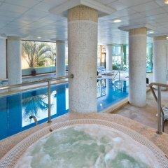Hotel IPV Palace & Spa бассейн