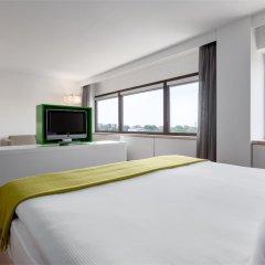 Отель NH Amsterdam Zuid удобства в номере