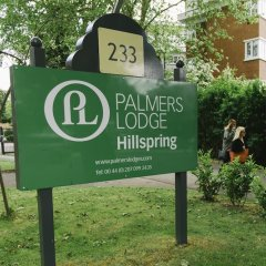 Отель Palmers Lodge Hillspring At Willesden Green парковка