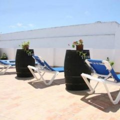 Отель Hostal Torre de Guzman Испания, Кониль-де-ла-Фронтера - отзывы, цены и фото номеров - забронировать отель Hostal Torre de Guzman онлайн бассейн