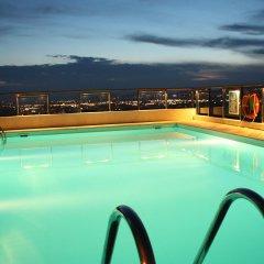 Dorian Inn Hotel бассейн