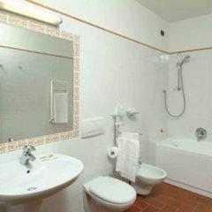 Отель Caravaggio Италия, Флоренция - отзывы, цены и фото номеров - забронировать отель Caravaggio онлайн ванная фото 2