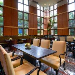 Отель Orchard Parksuites Сингапур, Сингапур - отзывы, цены и фото номеров - забронировать отель Orchard Parksuites онлайн гостиничный бар
