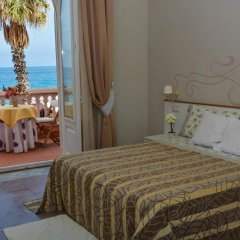 Отель B&B Villa Raineri Таормина комната для гостей фото 5