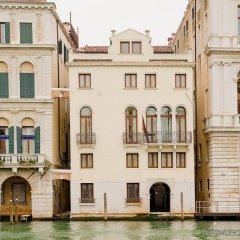 Отель Palazzina Grassi Венеция приотельная территория