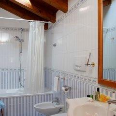 Отель Antico Moro Италия, Лимена - отзывы, цены и фото номеров - забронировать отель Antico Moro онлайн ванная фото 2